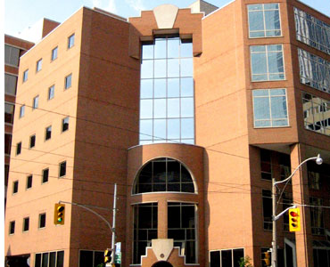 Toronto plastic surgeon probed for unprofessional conduct