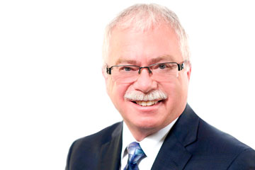 Esteemed Waterloo lawyer to retire after 40-year career